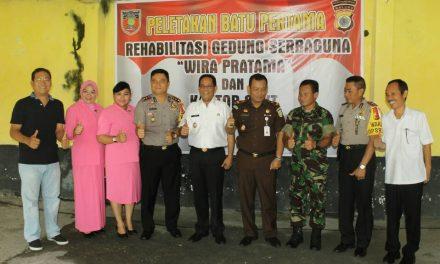 """Peletakan Batu Pertama dalam rangka Rehabilitasi Gedung Serba guna """" Wira Pratama """" dan Kantor SPKT Polres Maluku Tengah."""