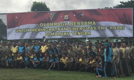 Polres Maluku Tengah, Yonif 731 Kabaresi dan Brimobda Maluku Den B Pelopor Amahai Bangun Sinergitas Melalui Olahraga Bersama