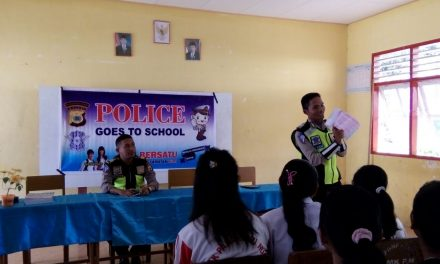 POLISI GOES TO SCHOOL