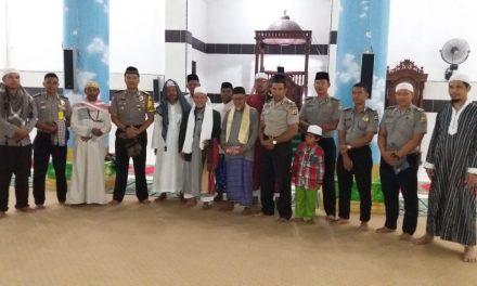 Sholat Taraweh Keliling oleh Personil Polres Malteng di Mesjid Raya Ibnu Abdullah Masohi