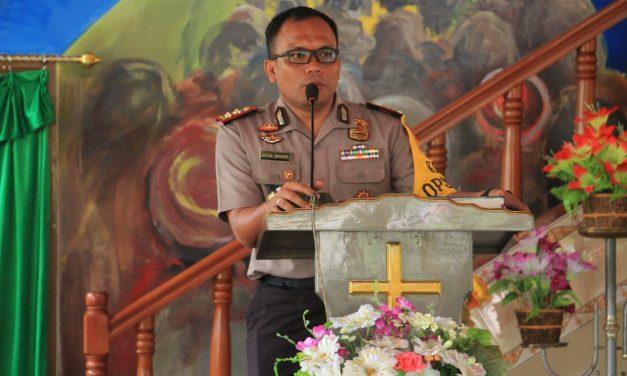 Ibadah Minggu Gedung Gereja Mahanaim Kapolres Maluku Tengah memberikan Himbauan Kamtibmas