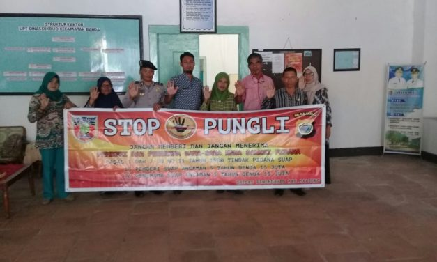 Sosialisasi Saber Pungli, Kanit Binmas Polsek P.P Banda Neira di UPTD Dinas Pendidikan dan Kebudayaan