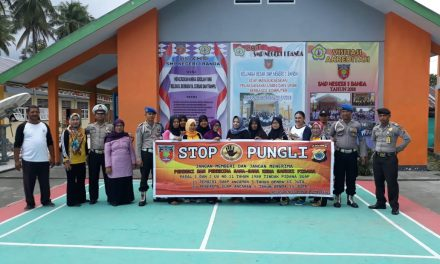 Sosialisasi Saber Pungli, Personil Polsek P. P Banda Neira di Sekolah SMP Negeri 1 Banda Neira