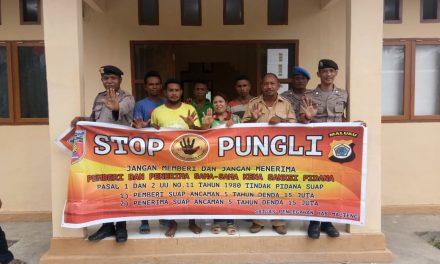 Sosialisasi Saber Pungli, Bhabinkamtibmas Negeri Sahulau di Kantor Negeri