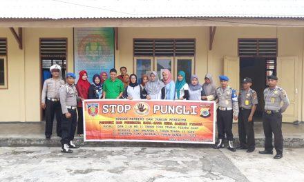 Sosialisasi Saber Pungli, Personil Polsek P. P Banda Neira di Sekolah SMP PGRI Banda Neira