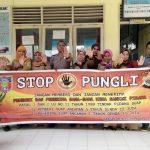 Sosialisasi Saber Pungli, Bhabinkamtibmas Kelurahan Lesane di Sekolah SD Negeri 10 Kecamatan Kota Masohi