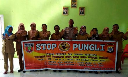 Sosialisasi Saber Pungli, Personil Polsek Amahai di Sekolah SD Negeri 1 Yalahatan