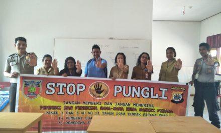 Sosialisasi Saber Pungli, Personil Polsek TNS/Waipia di SMP Negeri 7 Kecamatan TNS/Waipia