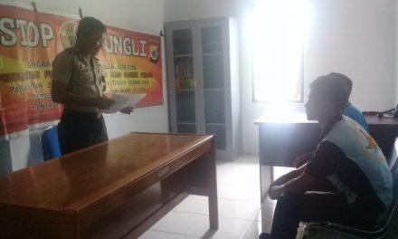 Sosialisasi Saber Pungli, Kanit Binmas Polsek P.P Banda Neira di Kantor Bandara Udara Banda Neira