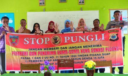 Sosialisasi Saber Pungli, Ps Kanit Binmas Polsek Amahai di Sekolah SMP Al Hilaal Negeri Adm Yainuelo Kecamatan Amahai