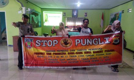 Sosialisasi Saber Pungli, Kanit Binmas Polsek P.P Banda Neira di Kantor Pemerintahan Negeri Adm Nusantara