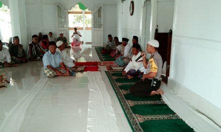 Bhabinkamtibmas Desa Mosso Sambangi, Sholat Jumat Berjamaah